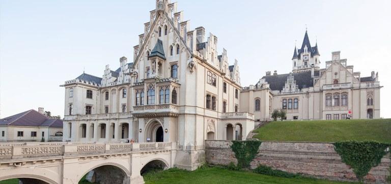 Schloss Grafenegg gilt als bedeutendstes Beispiel des romantischen Historismus. Dank modernster Adaptierungen ist es zum lebendigen Raum für die Gegenwart geworden.
