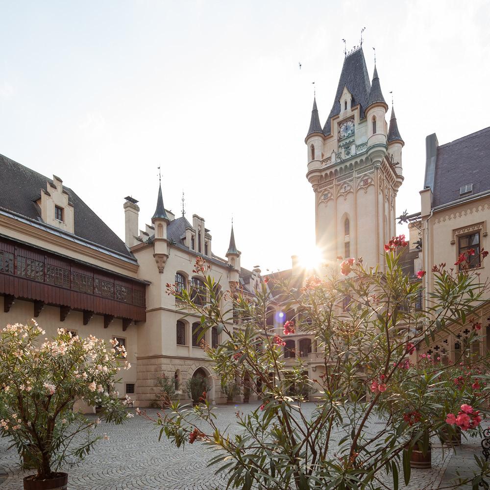 Von Firmenfeiern & privaten Festen bis hin zu Seminaren und Kongressen. Grafenegg bietet für jeden Anlass die geeignete Location.